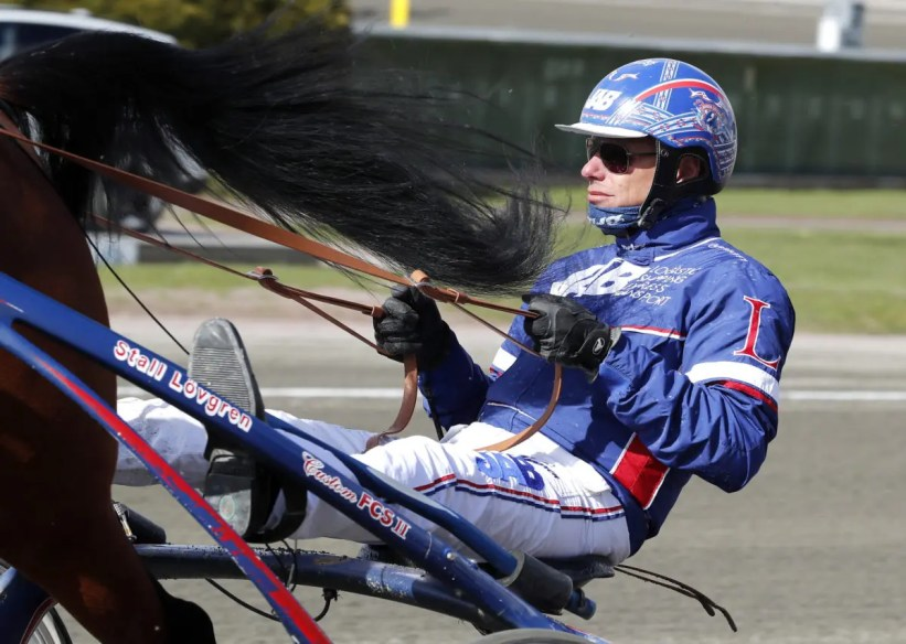 ALN | Horseman Joakim Lövgren has been banned from using a whip for one year.