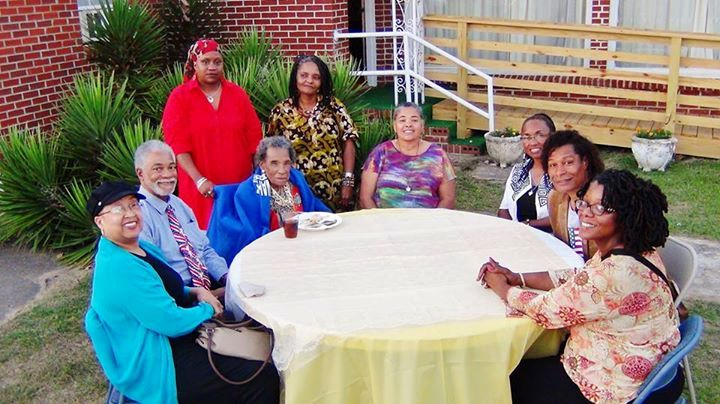 "Amelia Boynton Robinson hosted a group in a ""Chew and Chat"" in the front yard of her home in Tuskegee Institute, Alabama on May 26, 2015. Photo Credits: Leon Frazier."