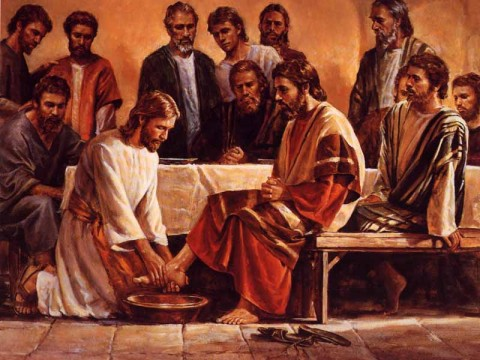 Jesus washing the feet of Peter set the example of service for Pope Francis. Photo Credits: Youtube.com