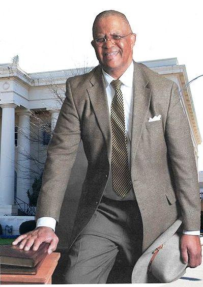 Lonzy Edwards, lawyer, preacher, public servant transitioned on April 29, 2016