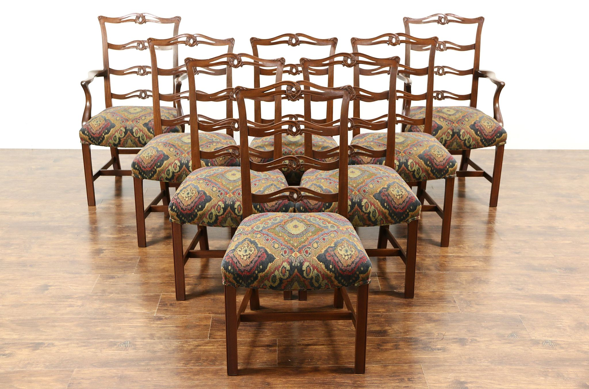 Refurbished Chairs Set Of 8 Traditional Carved Mahogany Vintage Dining Chairs New Upholstery