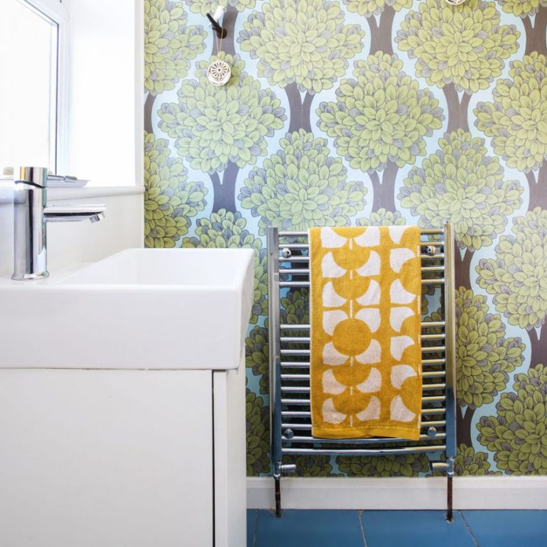 Paper A Cloakroom For Small Bathroom Decor Ideas