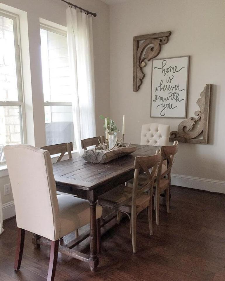 A Simple Design Dining Room Wall with Vintage-Inspired Accents- harpmagazine.com