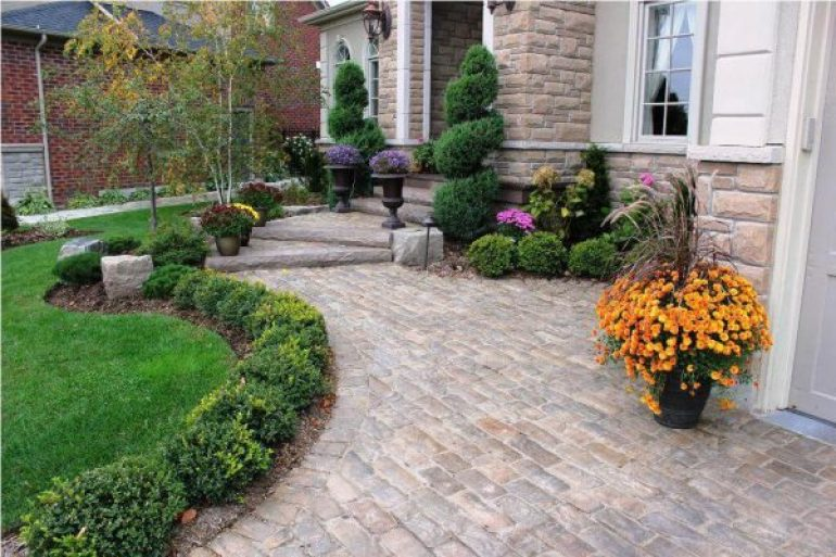 51 simple front yard landscaping ideas on a budget 2018 for Colorful front yard garden plans