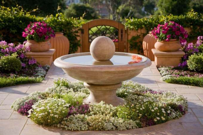 Front Yard Landscaping Ideas - Elegant Mediterranian Inspired Fountain Bed - Harpmagazine-com