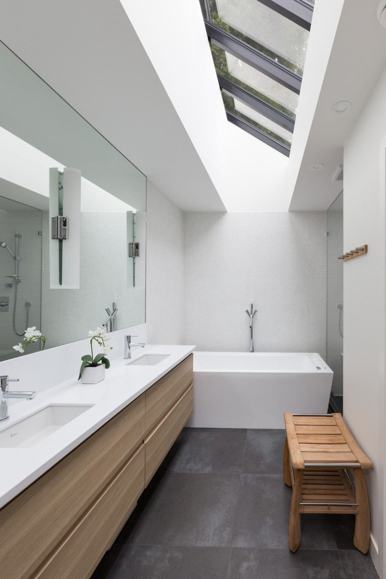Bathroom Mirror Ideas - A Single Large Mirror 2 - harpmagazine.com