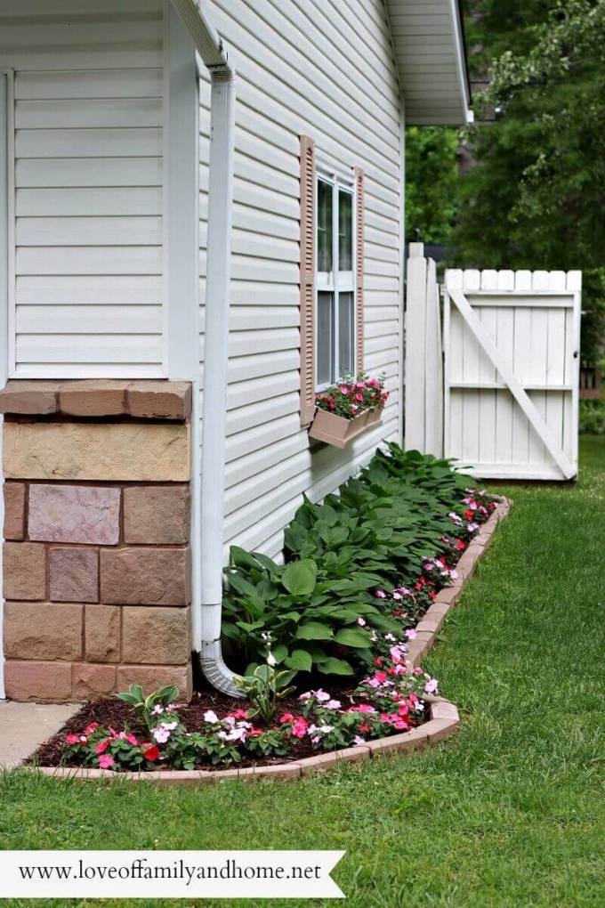 Backyard Landscaping Ideas - Mini-Makeover - harpmagazine.com
