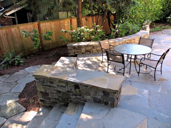 Paver Patio Ideas - Flagstone Patio and Wall Seating - Harpmagazine.com