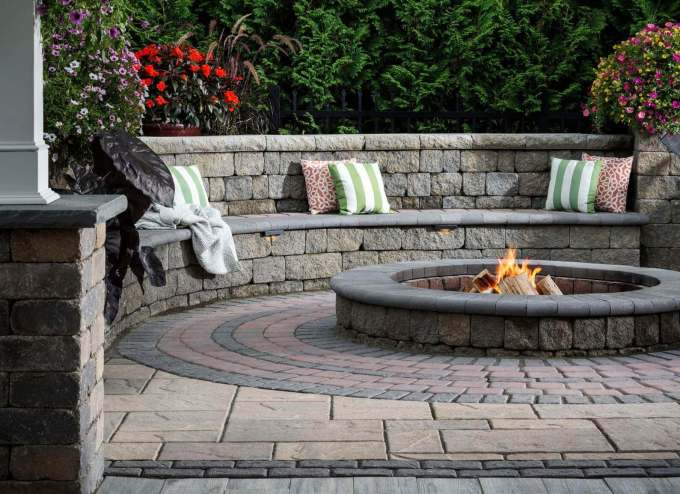 Pave Patio Ideas with Seat Walls - harpmagazine.com