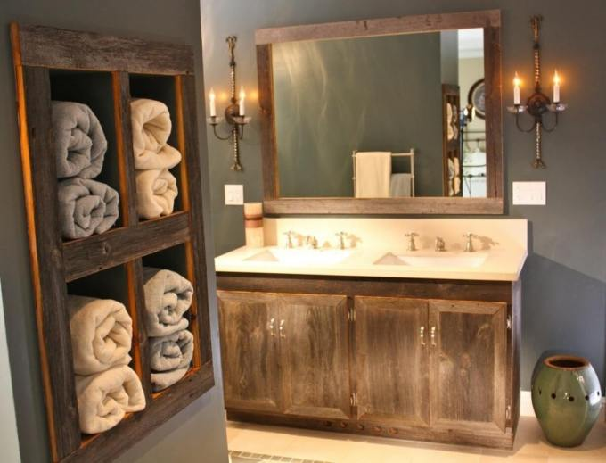 Farmhouse Bathroom Decor Ideas - Antique Wood Vanity and Towel Organizer - harpmagazine.com