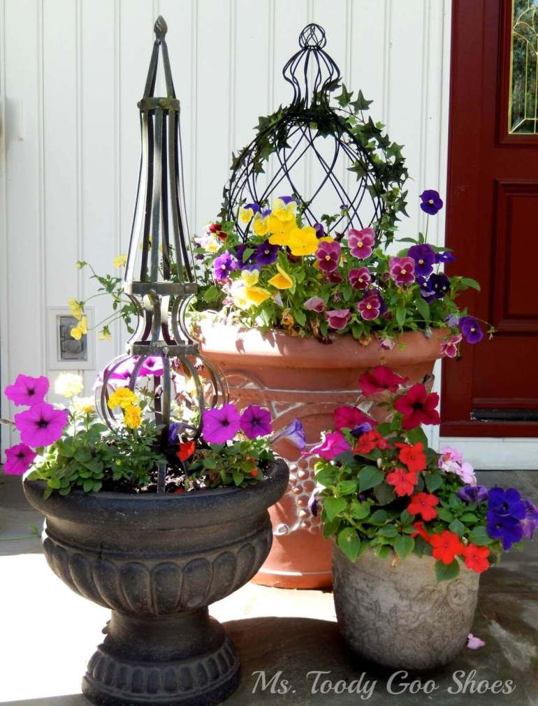 Front Door Flower Pots Ideas - Eclectic Summer Flower Pot Trio - harpmagazine.com
