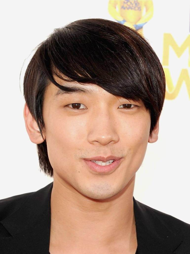 Asian Hairstyles Men Razor Style Shag Like Rain - Harpmagazine.com