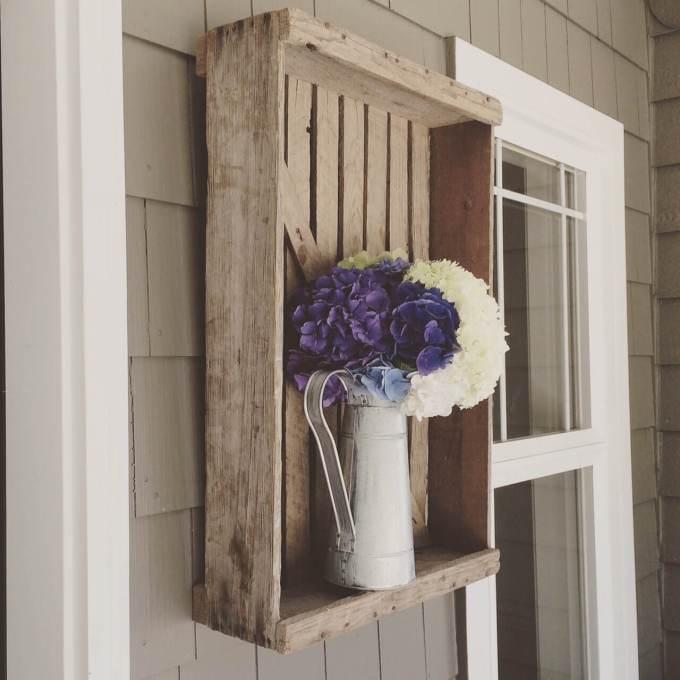 Farmhouse Porch Decorating Ideas - Repurposed Farm Crate Vase Mount - Harpmagazine.com