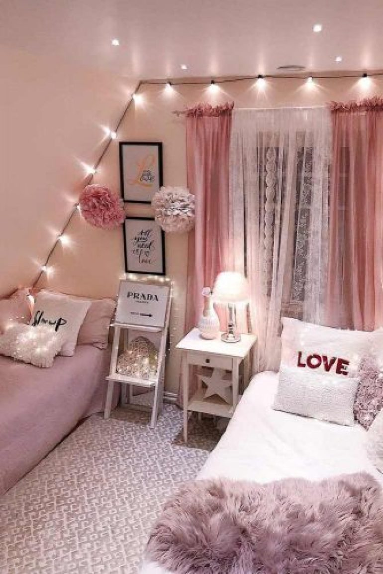 Teenage Girl's Bedroom Ideas - Glam Teen Bedroom Idea - Harpmagazine.com
