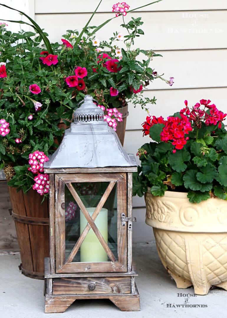 Farmhouse Porch Decorating Ideas - Colonial Style Wooden Porch Lantern - Harpmagazine.com