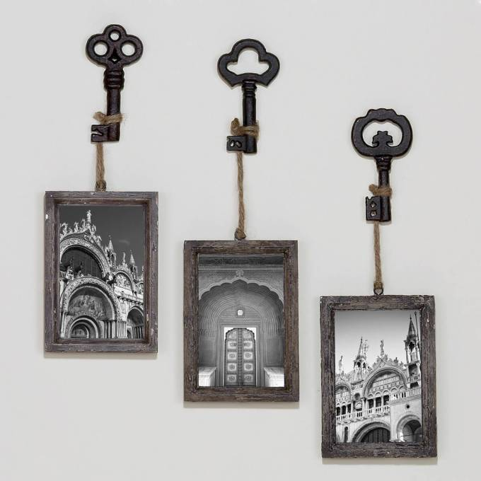 Rustic Wall Decor Ideas - Monochromatic Skeleton Key Photo Hooks - harpmagazine.com