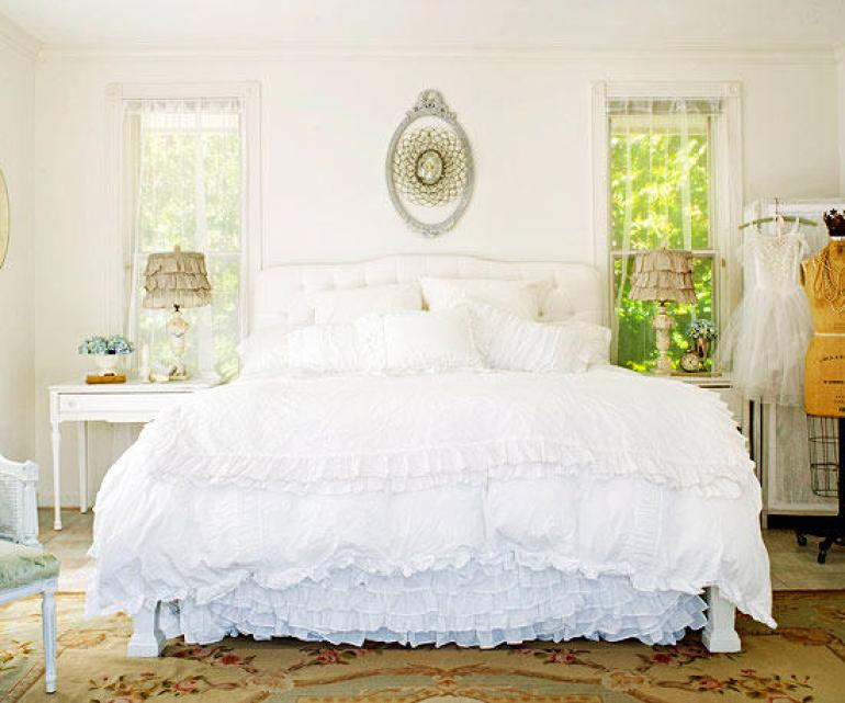 Small Master Bedroom Decor Ideas - Sweet Dreams - Harpmagazine.com
