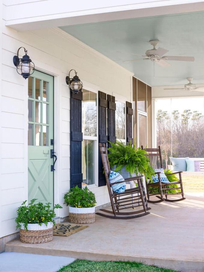 Farmhouse Porch Decorating Ideas - Nashville Basics Wooden Rockers & Entryway Basket Planters - Harpmagazine.com