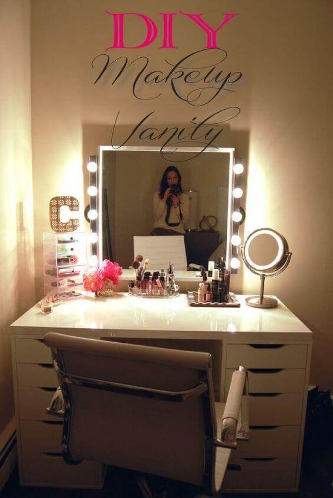 DIY Makeup Vanity Mirror with Lights Ideas - Harppost.com