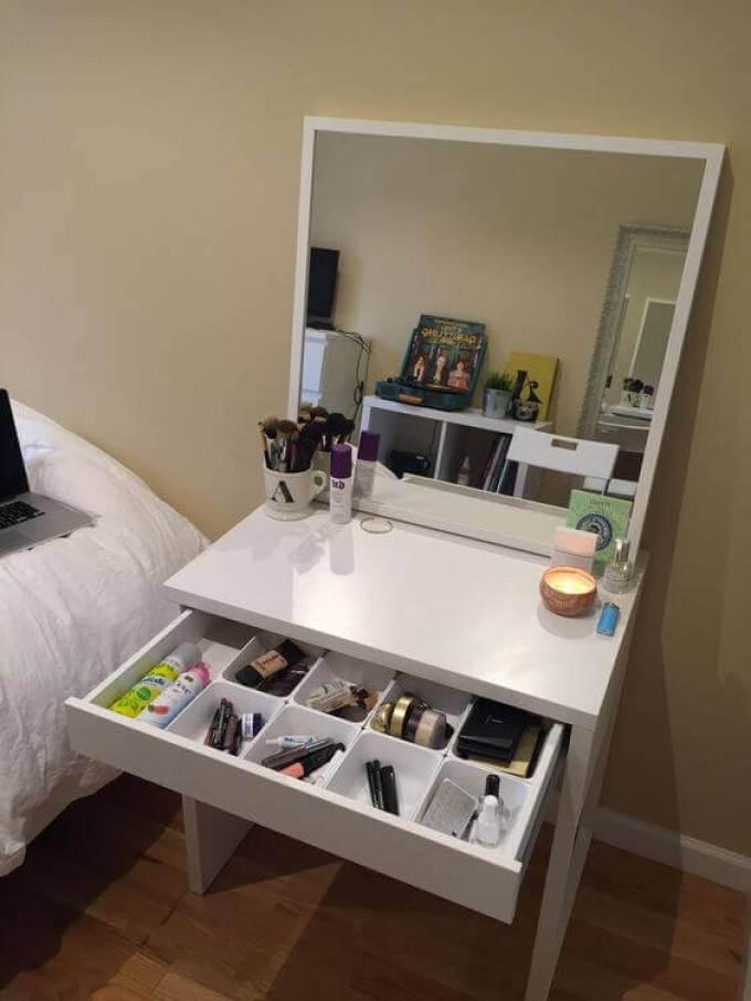 DIY White Makeup Vanity Mirror with Lights - Harppost.com