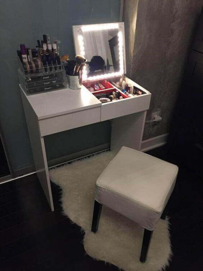Foldable DIY Vanity Mirror with Lights - Harppost.com