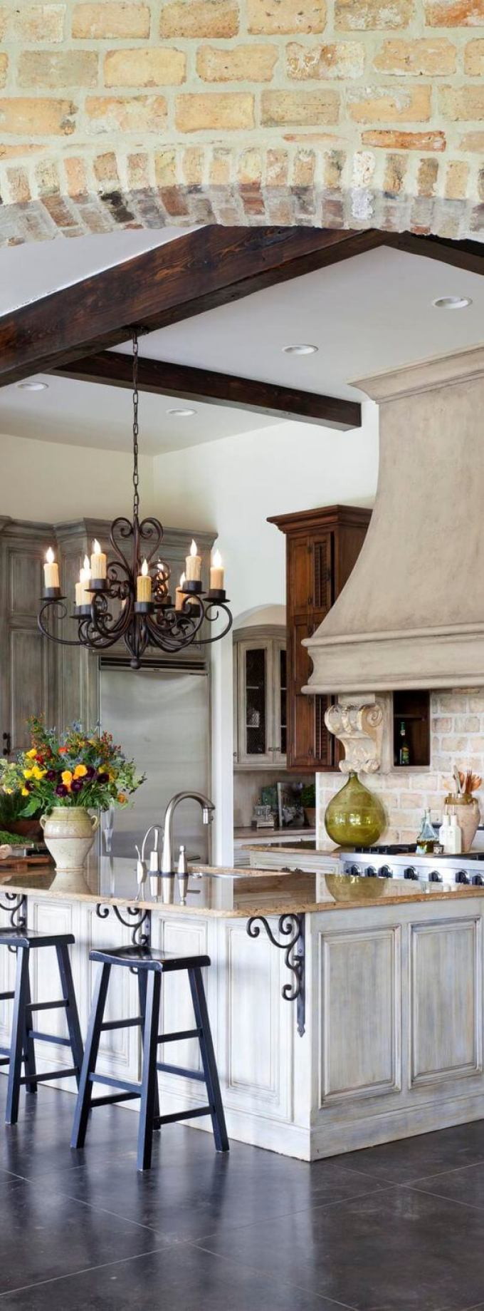 French Country Decor Fancy Kitchen with Chandeliers - Harppost.com
