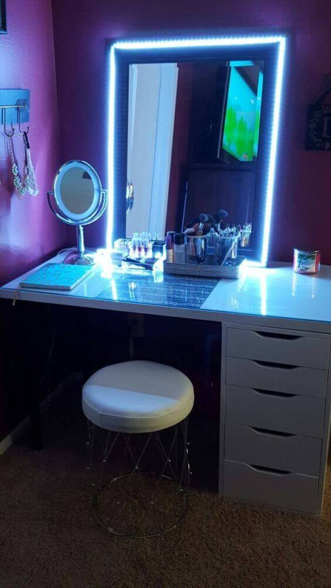 Funky DIY Vanity Mirror with Blue Lights - Harppost.com
