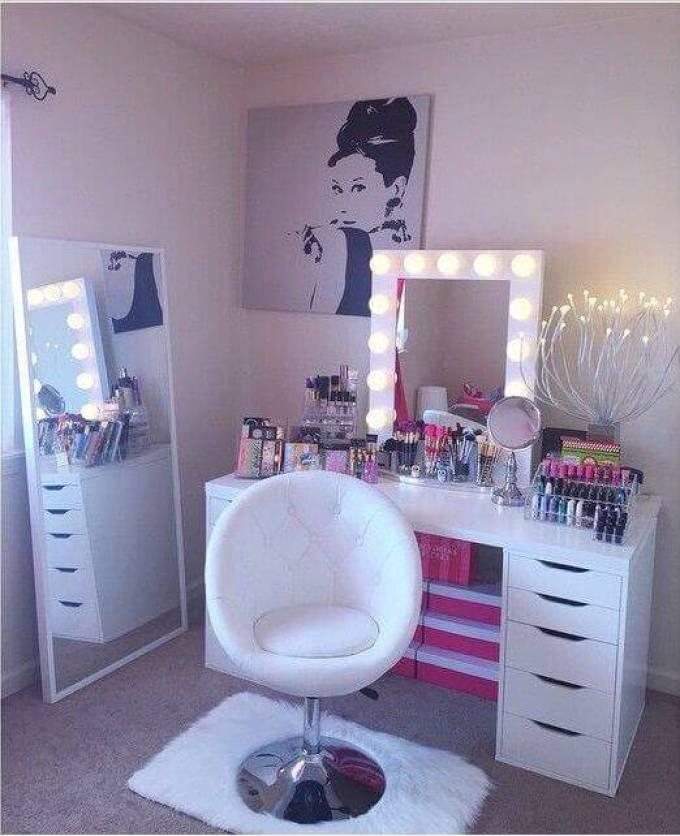 Glamorous Makeup Room Ideas - Harppost.com
