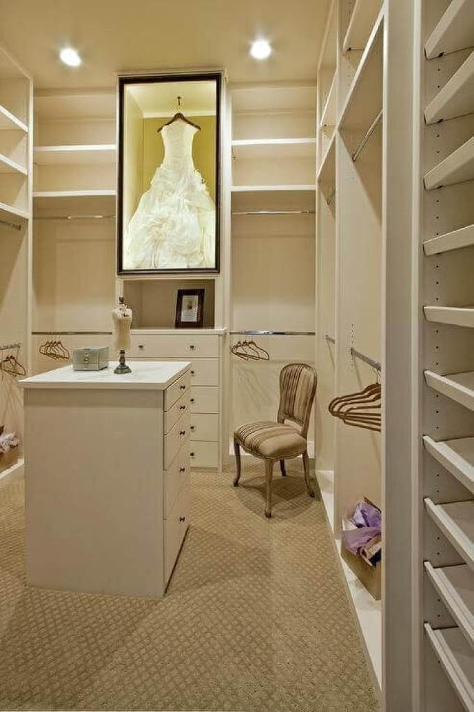 Makeup Room Ideas Makeup Room in White Walk-In Closet - Harppost.com