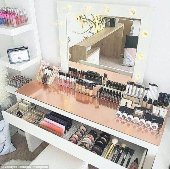 Makeup Room Ideas Vanity Mirror with Copper Table Top - Harppost.com