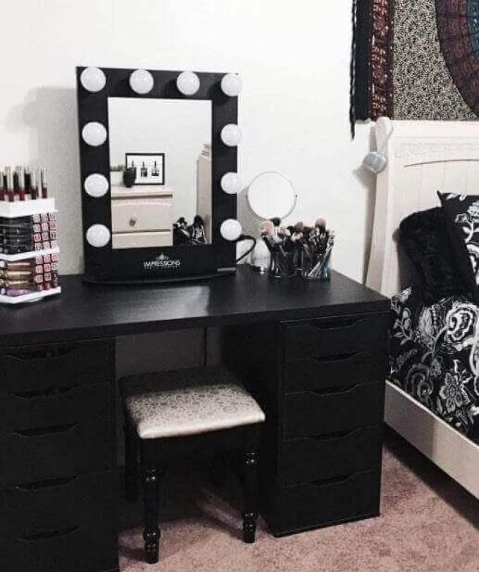 DIY Bold Vanity Mirror with Lights - Harppost.com