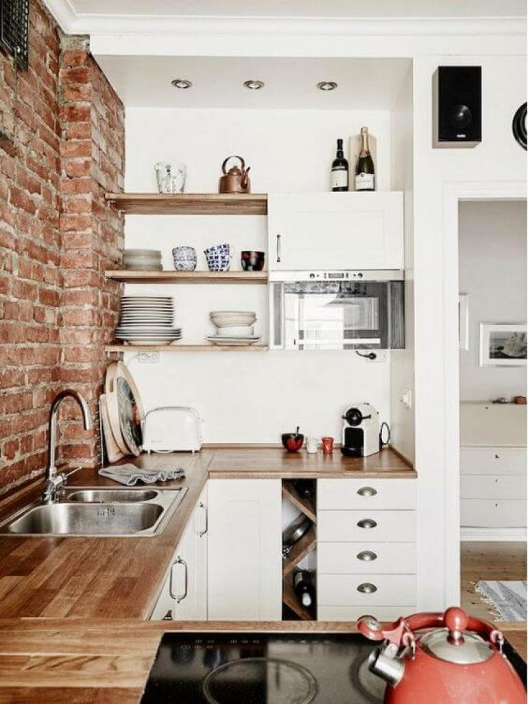 country kitchen decor ideas - 14. Rustic Brick and Clean White Collaboration - Harptimes.com