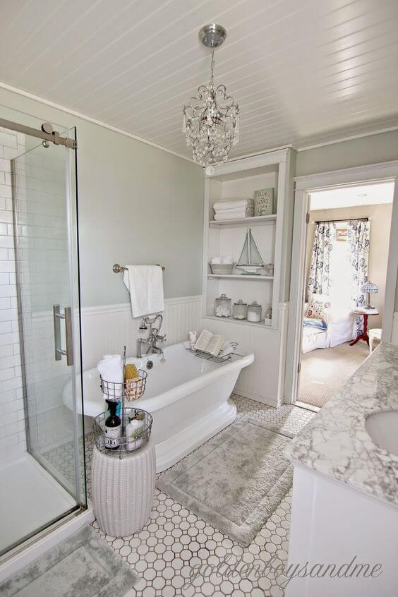 Master Bathroom Ideas with Claw-Foot Tub - Harptimes.com