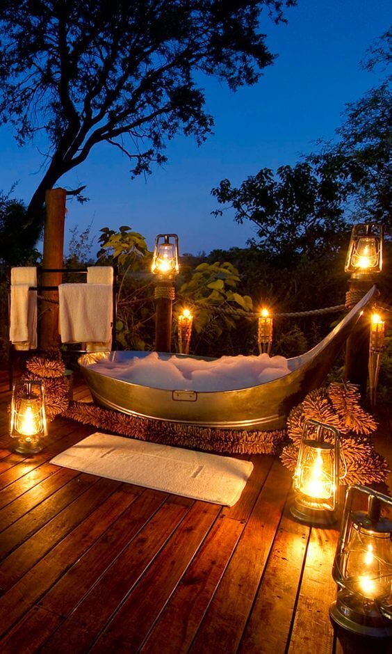 Outdoor Shower Ideas Romantic Bathtub with Lanterns - Harptimes.com