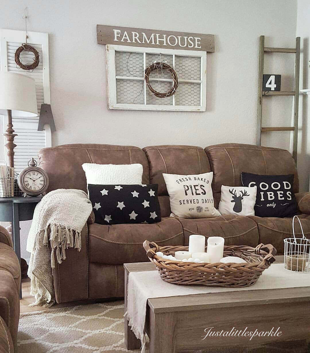 Farmhouse Living Room Ideas on a Budget
