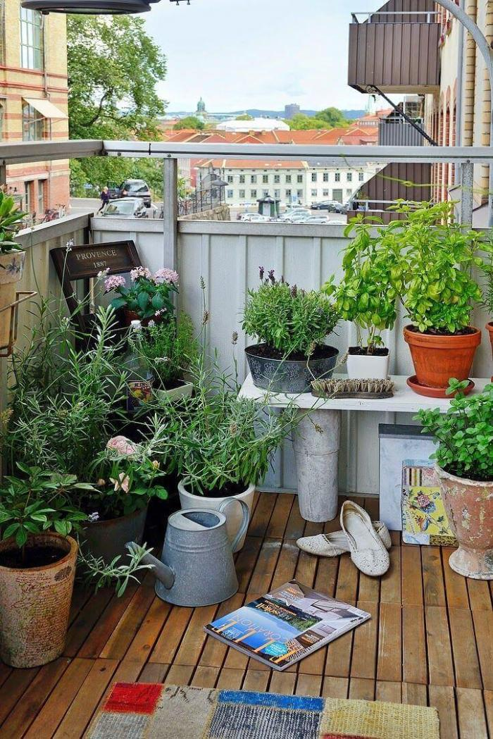 Use Decks And Balconies for Gardening Ideas for Small Yards - Harptimes.com