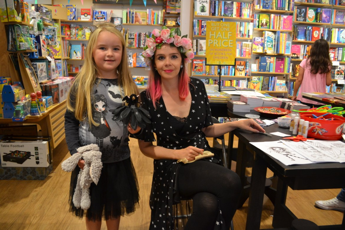 Isadora Moon fan with doll and rabbit