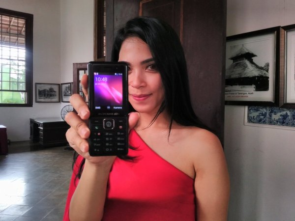 smartfren luncurkan andromax prime handphone 4g seharga rp 350 ribu