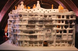 Casa Mila model