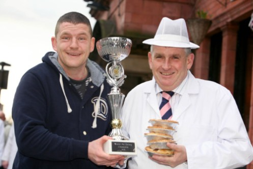 Last year's winner Kevin Astle (left) of Worsley Mesnes with Tony Callaghan