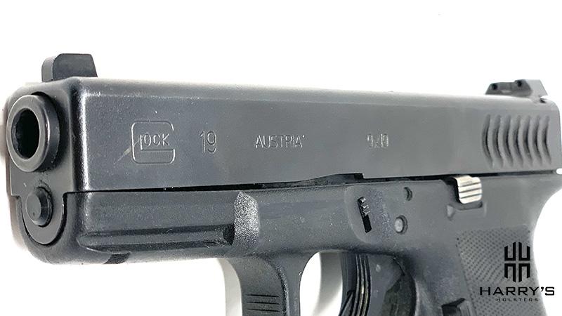 Glock 19 vs SW Shield slides