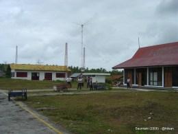 Bandara Olilit Saumlaki (2005).