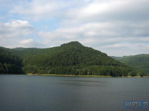 lacul vidraru 2