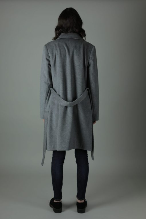 The Grace 14.5 Micron 100% Cashmere lined coat embodies style, comfort and luxury. Knee length, our Grace coat can be worn formally, casually and all year round. Features 100% cashmere, waist belt and is dual wear for two different styles. Detachable Faux fur collar also available.