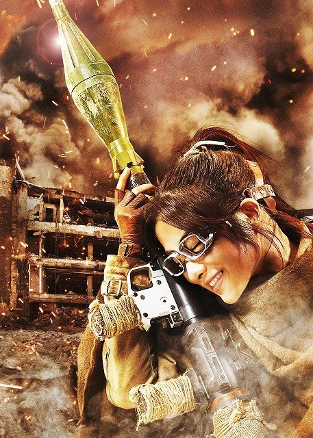 Live-Action Attack on Titan Cast Reveals Armin Isn't Blonde and Hanji Has a RPG haruhichan.com shingeki no kyonjin live action movie Satomi Ishihara as Hanji Zoe