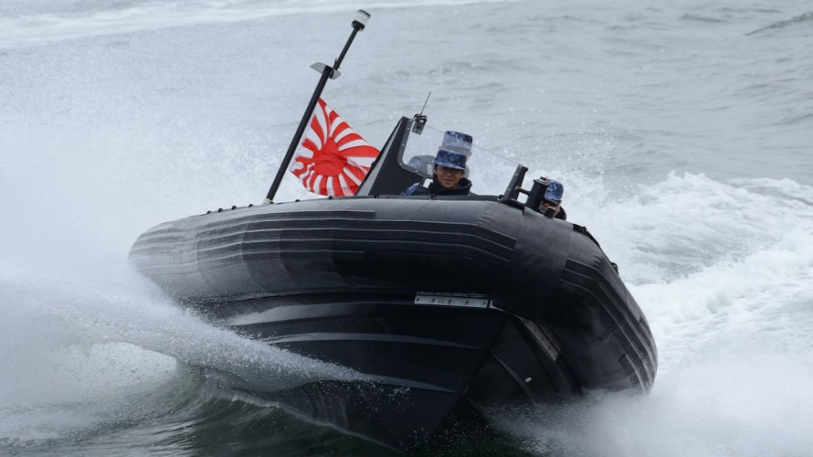 海上自衛隊・海外製小銃を調達予定。SBU装備?