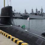 【雑学】海に潜む潜水艦。どうやって外と通信している?