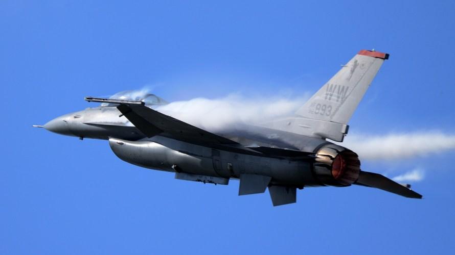戦闘機の音は想像以上。航空祭シーズン、耳の保護を忘れずに。