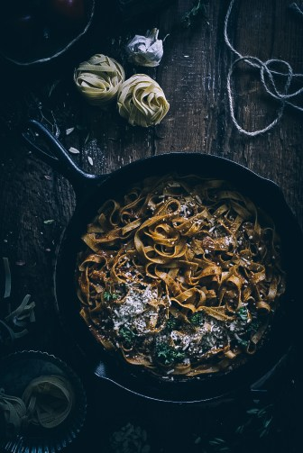 Pasta with Simple Tomato and Almond Sauce