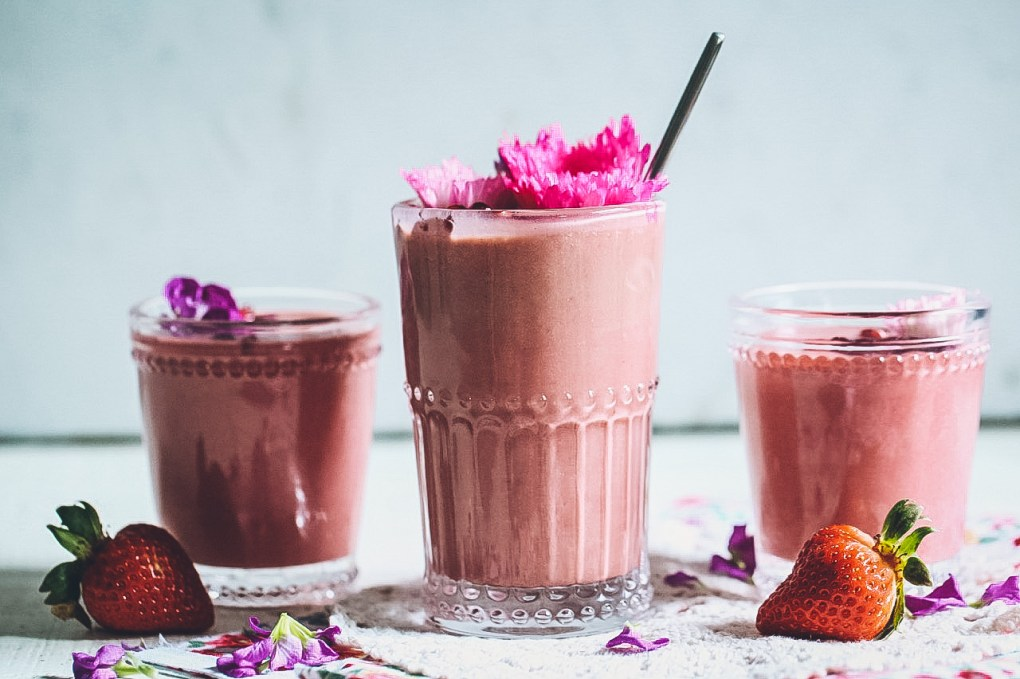 Balsamic-Kissed Strawberry & Beet Smoothies